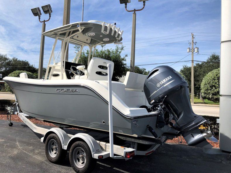 Thumbnail 3 for New 2020 Cobia 220 CC Center Console boat for sale in Vero Beach, FL