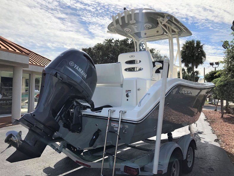 Thumbnail 4 for New 2020 Cobia 220 CC Center Console boat for sale in Vero Beach, FL
