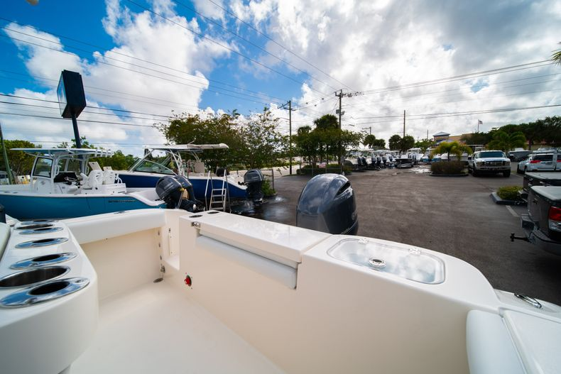 Thumbnail 11 for New 2020 Cobia 220 CC Center Console boat for sale in Miami, FL