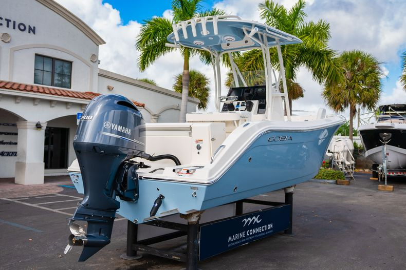 Thumbnail 7 for New 2020 Cobia 220 CC Center Console boat for sale in Miami, FL