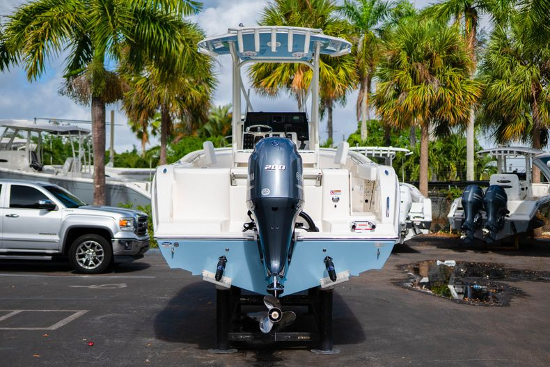 Thumbnail 6 for New 2020 Cobia 220 CC Center Console boat for sale in Miami, FL