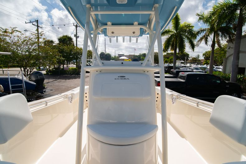 Thumbnail 36 for New 2020 Cobia 220 CC Center Console boat for sale in Miami, FL