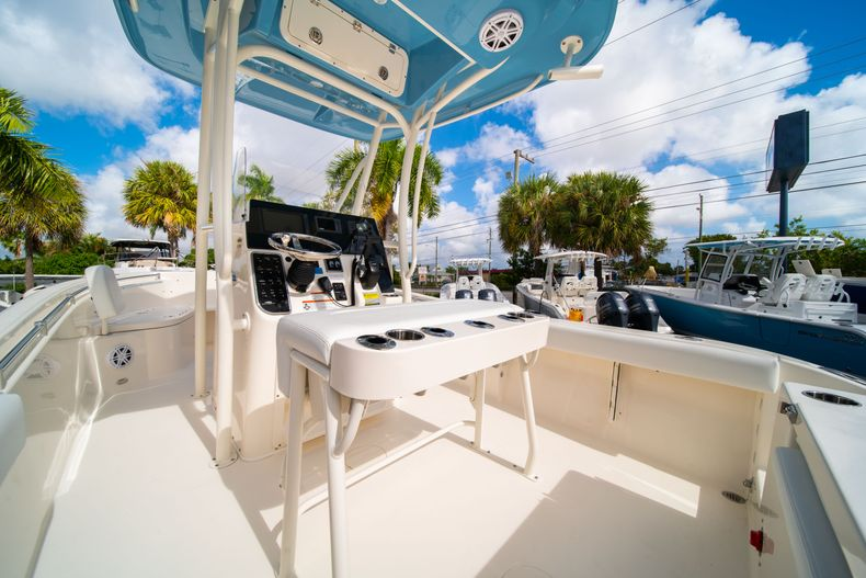 Thumbnail 18 for New 2020 Cobia 220 CC Center Console boat for sale in Miami, FL