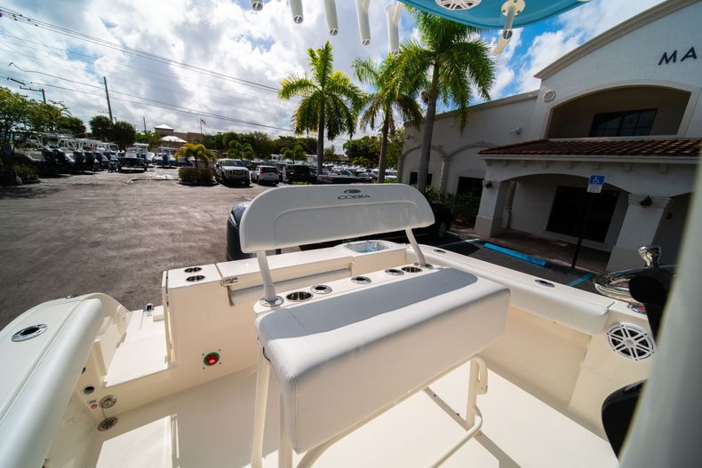Thumbnail 26 for New 2020 Cobia 220 CC Center Console boat for sale in Miami, FL