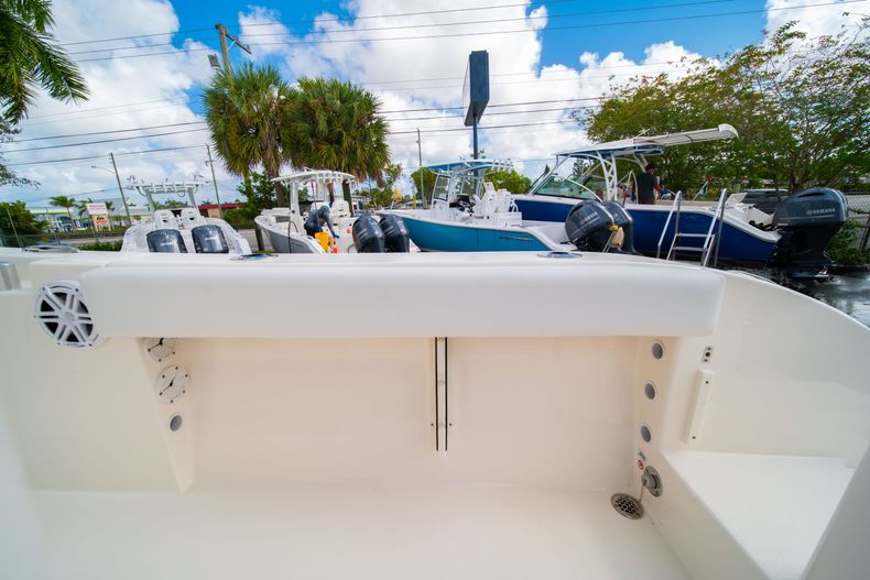Thumbnail 15 for New 2020 Cobia 220 CC Center Console boat for sale in Miami, FL