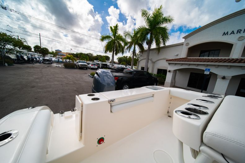 Thumbnail 9 for New 2020 Cobia 220 CC Center Console boat for sale in Miami, FL