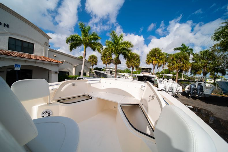Thumbnail 31 for New 2020 Cobia 220 CC Center Console boat for sale in Miami, FL