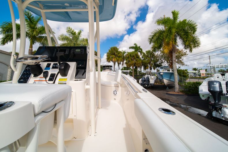 Thumbnail 16 for New 2020 Cobia 220 CC Center Console boat for sale in Miami, FL