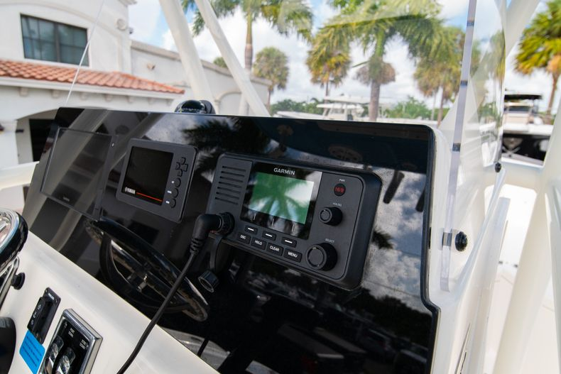 Thumbnail 21 for New 2020 Cobia 220 CC Center Console boat for sale in Miami, FL