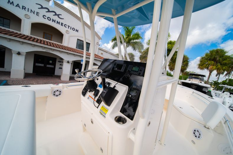 Thumbnail 19 for New 2020 Cobia 220 CC Center Console boat for sale in Miami, FL