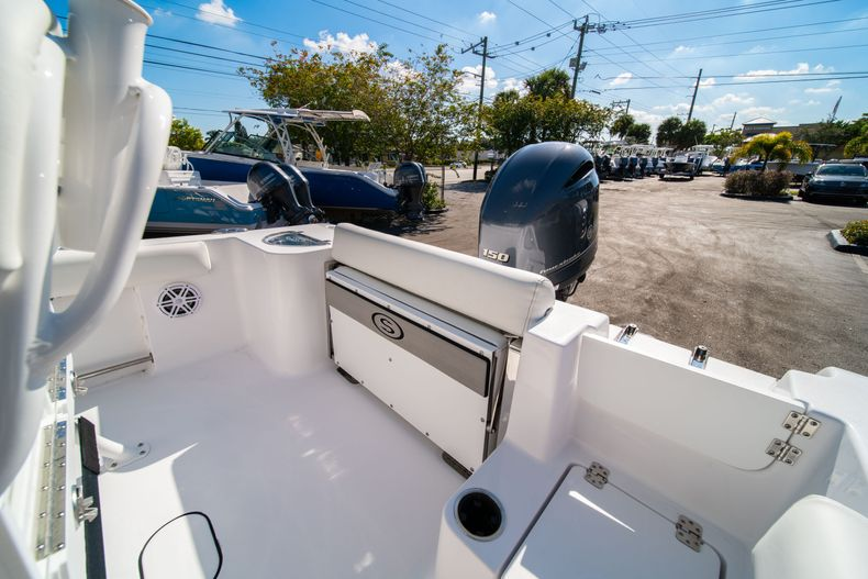 Thumbnail 13 for New 2020 Sportsman Open 212 Center Console boat for sale in West Palm Beach, FL