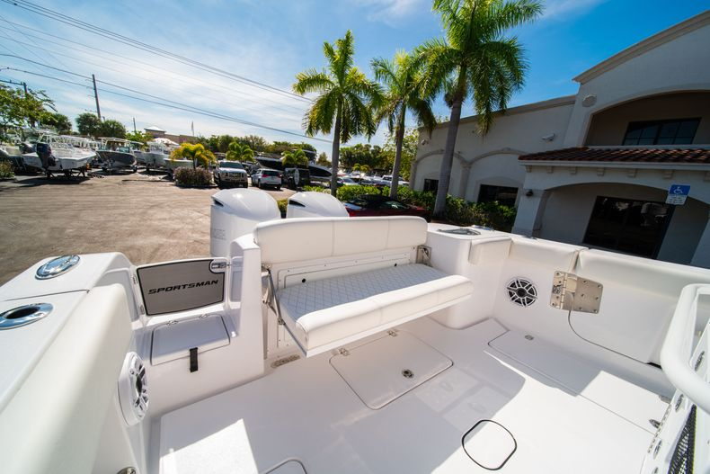 Thumbnail 10 for New 2020 Sportsman Open 312 Center Console boat for sale in Miami, FL