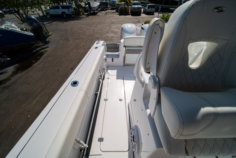 Thumbnail 21 for New 2020 Sportsman Open 312 Center Console boat for sale in Miami, FL