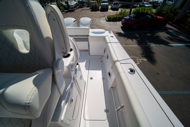 Thumbnail 26 for New 2020 Sportsman Open 312 Center Console boat for sale in Miami, FL