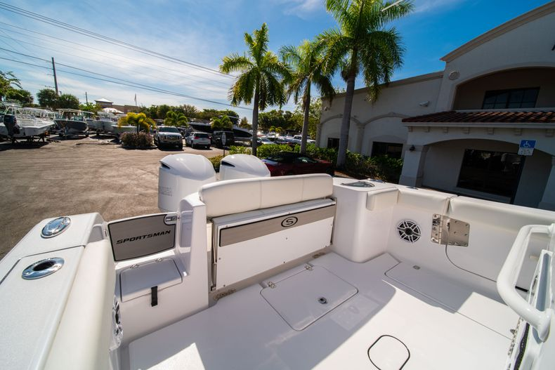 Thumbnail 9 for New 2020 Sportsman Open 312 Center Console boat for sale in Miami, FL