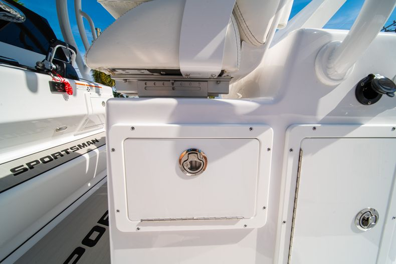 Thumbnail 34 for New 2020 Sportsman Open 312 Center Console boat for sale in Miami, FL