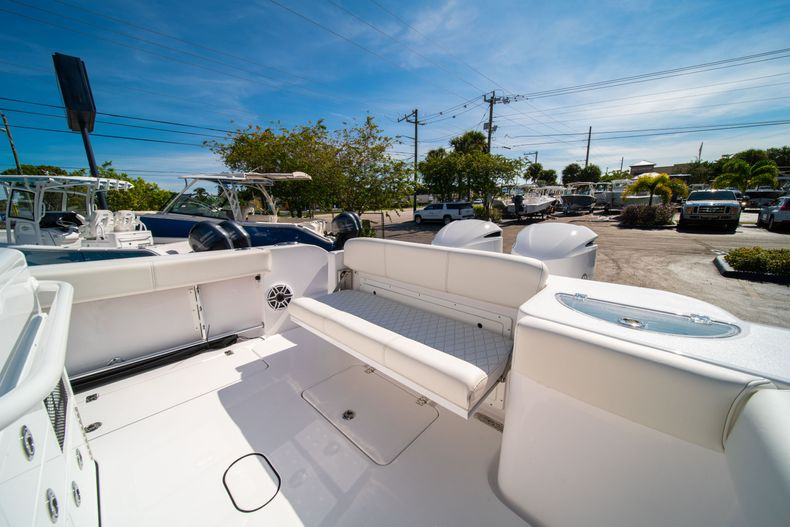 Thumbnail 14 for New 2020 Sportsman Open 312 Center Console boat for sale in Miami, FL
