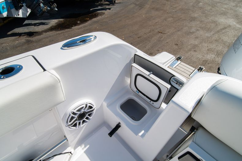 Thumbnail 12 for New 2020 Sportsman Open 312 Center Console boat for sale in Miami, FL