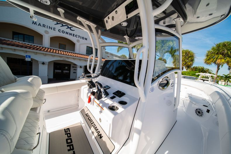 Thumbnail 36 for New 2020 Sportsman Open 312 Center Console boat for sale in Miami, FL