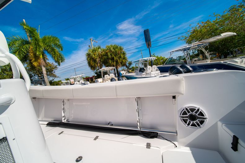 Thumbnail 19 for New 2020 Sportsman Open 312 Center Console boat for sale in Miami, FL