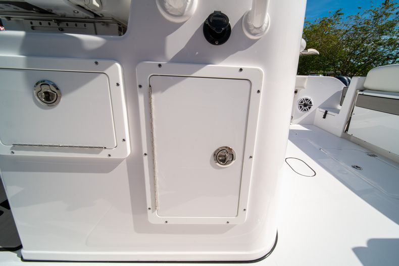 Thumbnail 32 for New 2020 Sportsman Open 312 Center Console boat for sale in Miami, FL