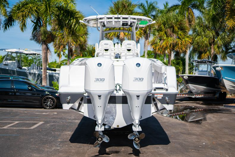 Thumbnail 6 for New 2020 Sportsman Open 312 Center Console boat for sale in Miami, FL