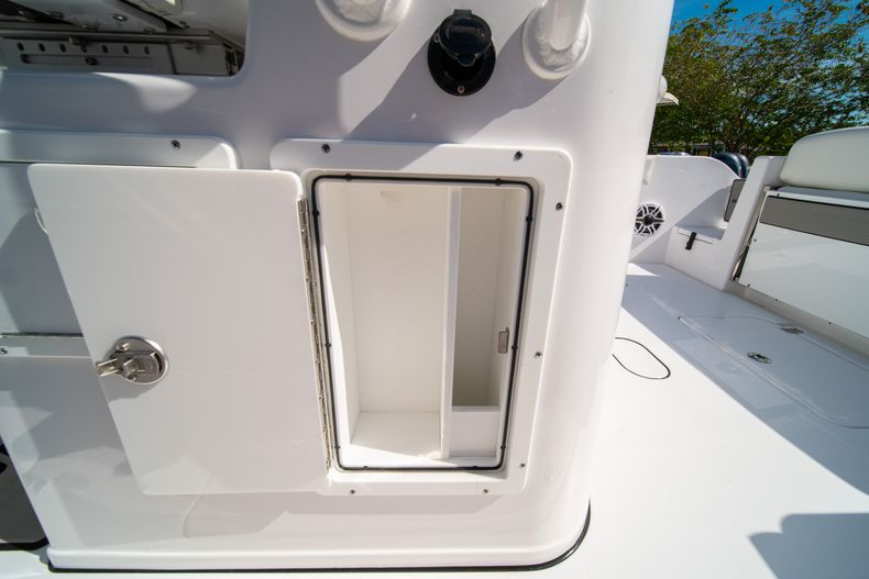 Thumbnail 33 for New 2020 Sportsman Open 312 Center Console boat for sale in Miami, FL