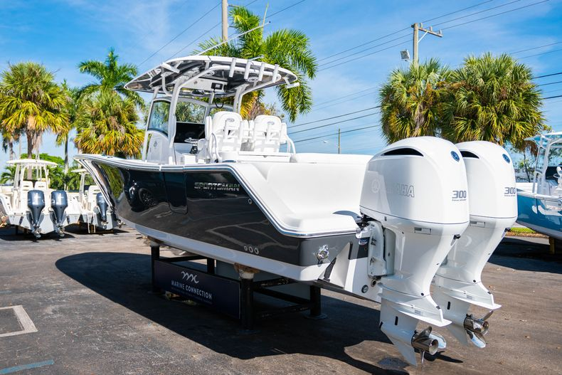 Thumbnail 5 for New 2020 Sportsman Open 312 Center Console boat for sale in Miami, FL
