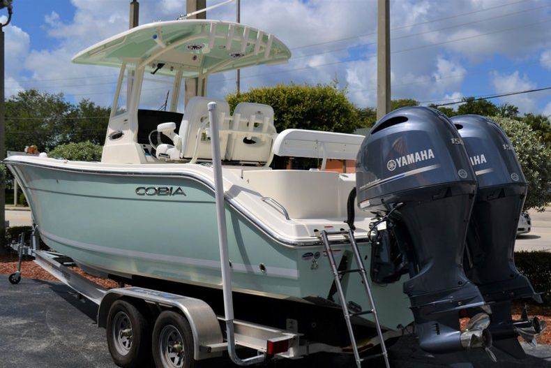 Thumbnail 3 for New 2020 Cobia 262 CC Center Console boat for sale in Miami, FL