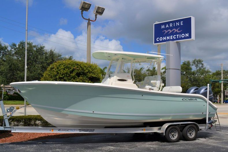 Thumbnail 1 for New 2020 Cobia 262 CC Center Console boat for sale in Miami, FL