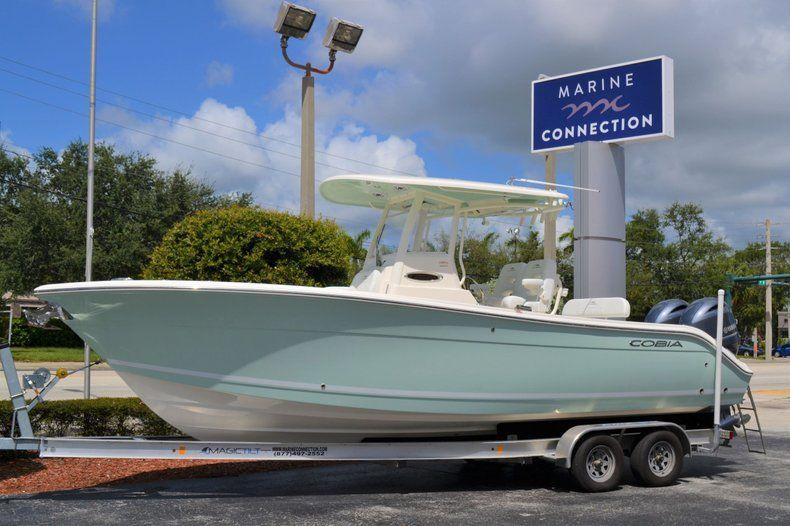 Thumbnail 1 for New 2020 Cobia 262 CC Center Console boat for sale in Miami, FL