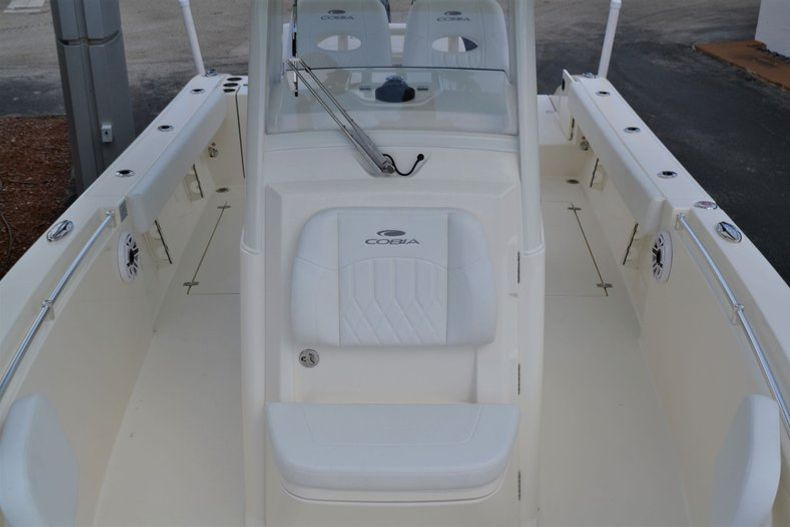 Thumbnail 15 for New 2020 Cobia 262 CC Center Console boat for sale in Miami, FL