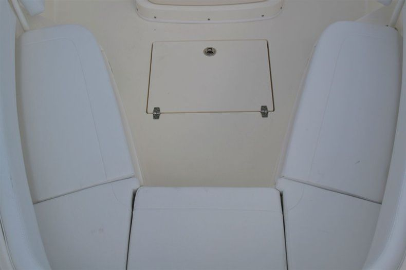 Thumbnail 14 for New 2020 Cobia 262 CC Center Console boat for sale in Miami, FL