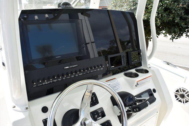 Thumbnail 12 for New 2020 Cobia 262 CC Center Console boat for sale in Miami, FL