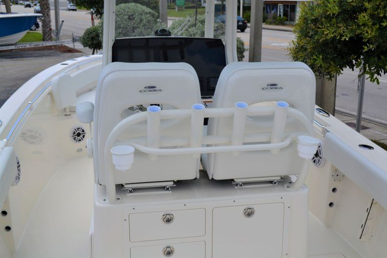 Thumbnail 10 for New 2020 Cobia 262 CC Center Console boat for sale in Miami, FL