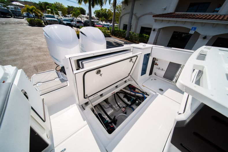 Image 12 for 2019 Blackfin 272CC Center Console in Fort Lauderdale, FL