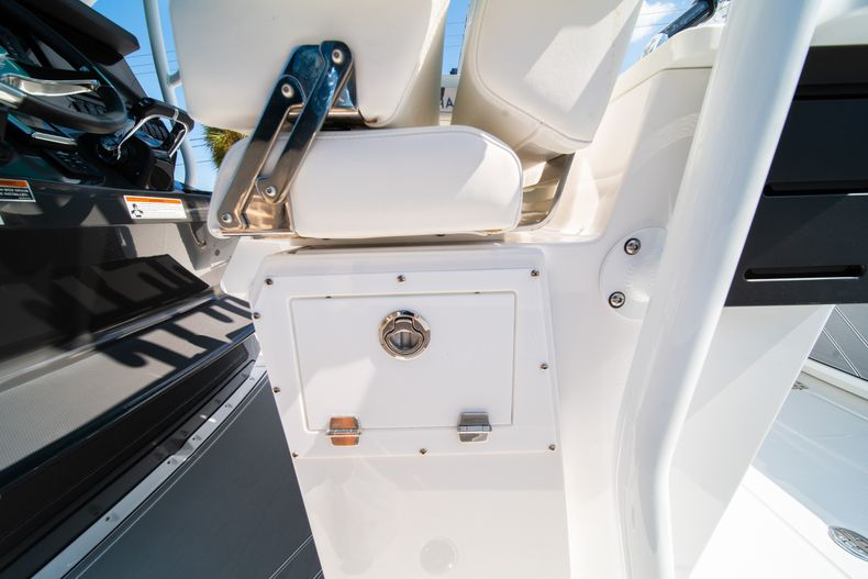 Image 29 for 2019 Blackfin 272CC Center Console in Fort Lauderdale, FL