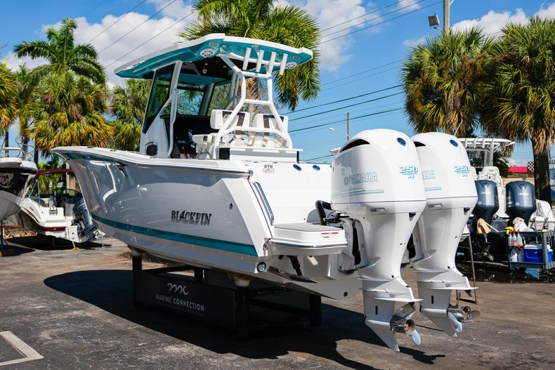 Image 5 for 2019 Blackfin 272CC Center Console in Fort Lauderdale, FL