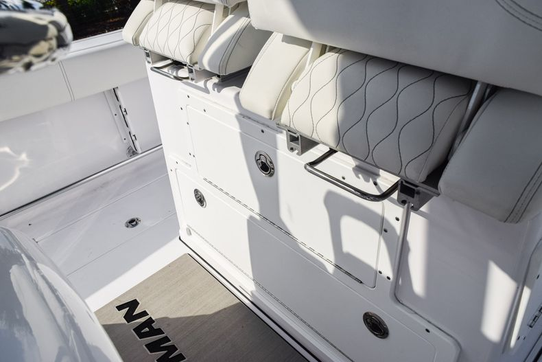 Thumbnail 33 for New 2020 Sportsman Open 282 Center Console boat for sale in Fort Lauderdale, FL