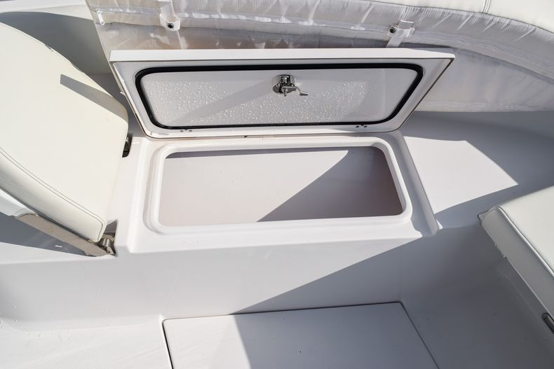 Thumbnail 44 for New 2020 Sportsman Open 282 Center Console boat for sale in Fort Lauderdale, FL