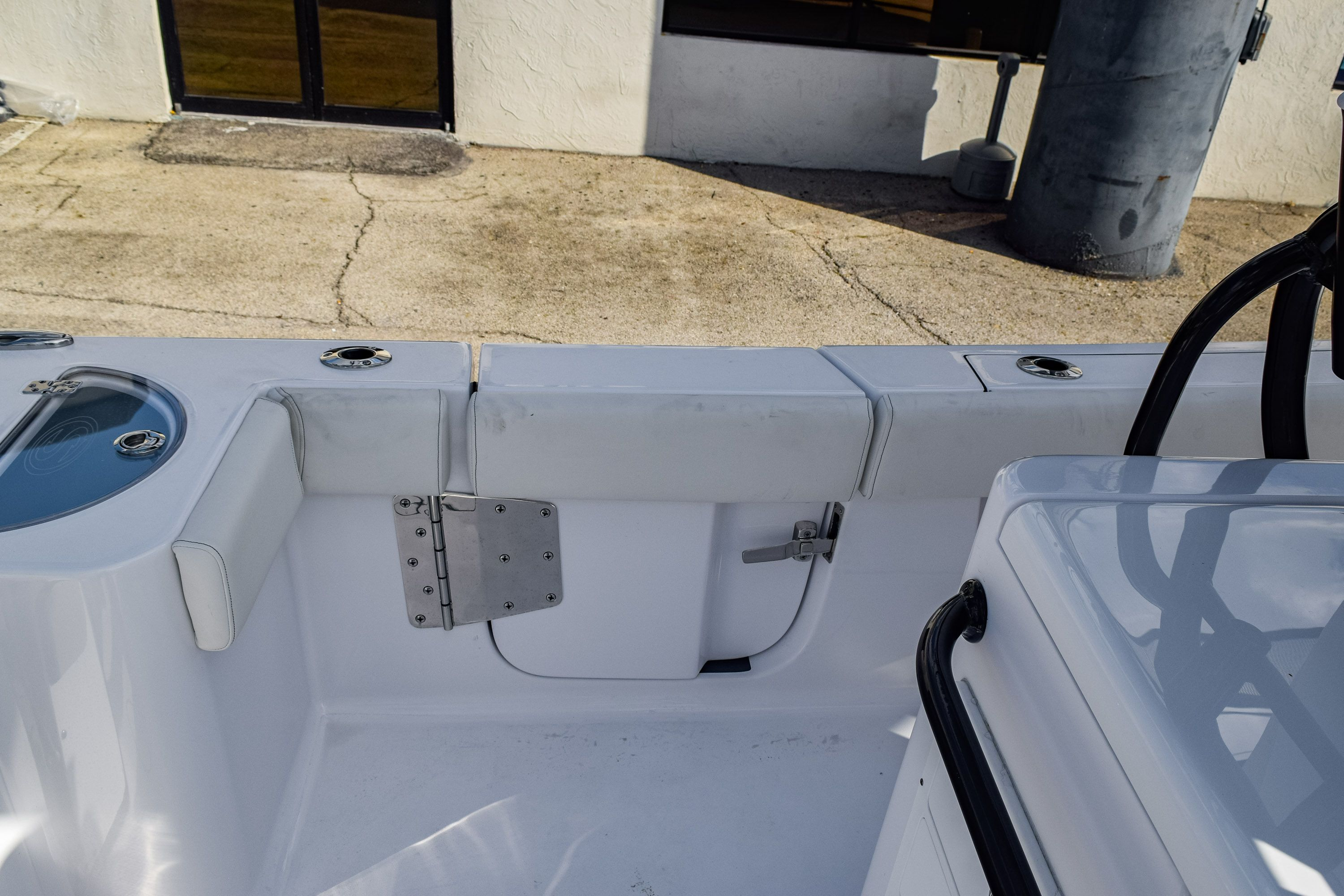 Thumbnail 19 for New 2020 Sportsman Open 282 Center Console boat for sale in Fort Lauderdale, FL