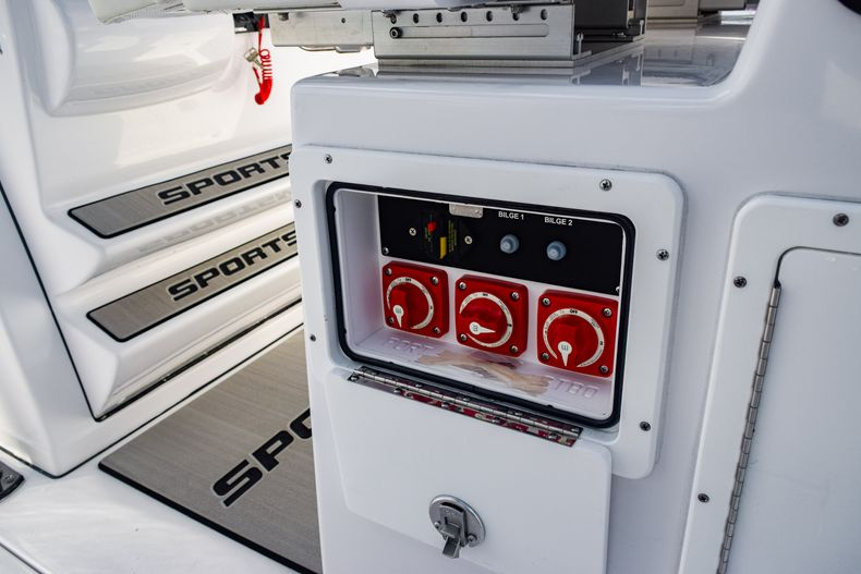 Thumbnail 24 for New 2020 Sportsman Open 282 Center Console boat for sale in Fort Lauderdale, FL