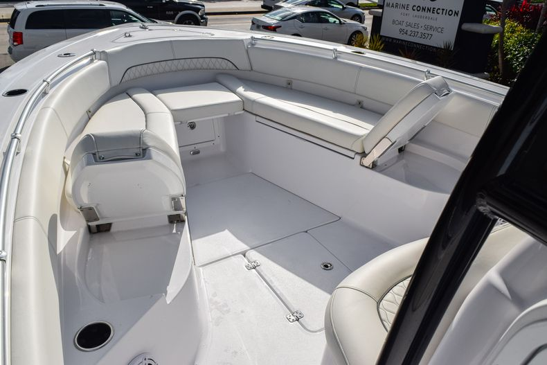 Thumbnail 41 for New 2020 Sportsman Open 282 Center Console boat for sale in Fort Lauderdale, FL