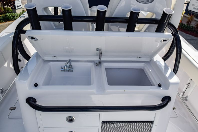 Thumbnail 15 for New 2020 Sportsman Open 282 Center Console boat for sale in Fort Lauderdale, FL